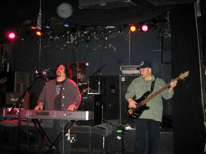 Click for More Pics - Moogy Klingmanm Even Steven Levee and Andy Bigan at Don Hill's June 8 2006